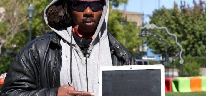 Mendigo que aprendió a programar lanza su primera aplicación